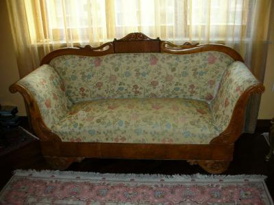 Young trovano 40mila dollari in vecchio divano e li for Divano in inglese