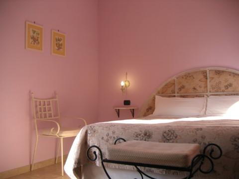 Young il colore della vostra camera da letto influenza - Colore della camera da letto ...